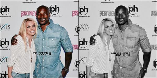 """. Britney et ses fils allaient déjeuner au """"Corner Bakery"""" à Calabasas, le 31 mai. ."""
