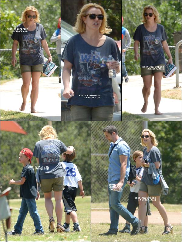 . Britney a été repérée au match de football de ses fils à Malibu, le 30 mai. .