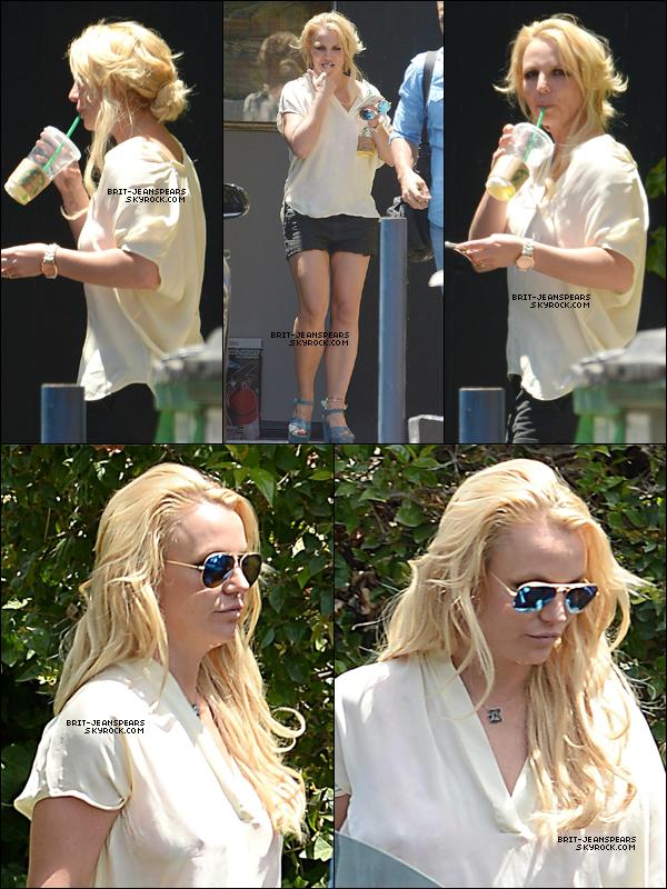. Britney a été repérée alors qu'elle se baladait dans les rues de Los Angeles, le 02 juillet. .