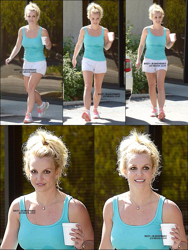 . Britney a été vue quittant un studio de danse à Calabasas, le 19 septembre. .