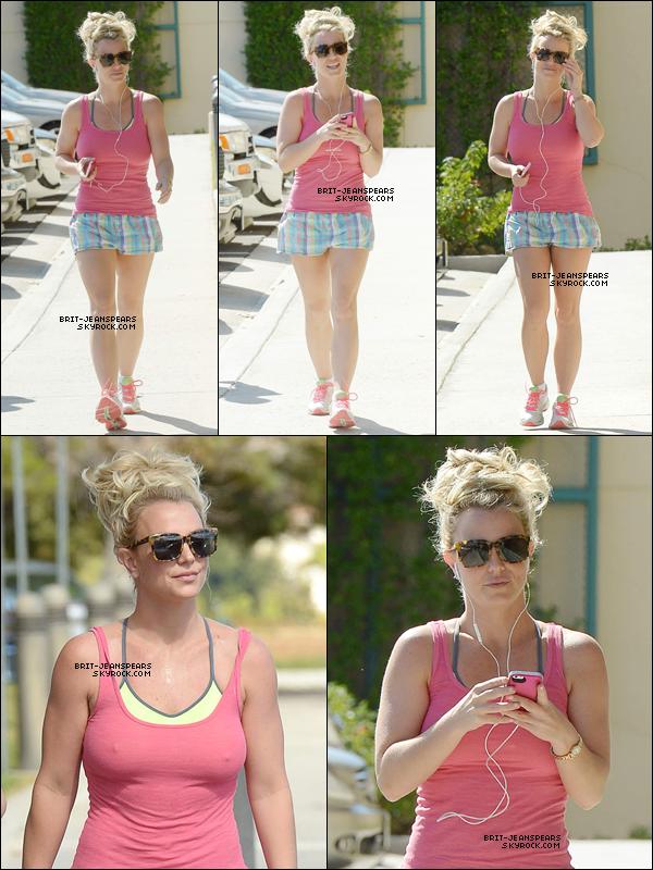 . Britney a été vue se rendant à son cours de gym' à Calabasas, le 20 octobre. .