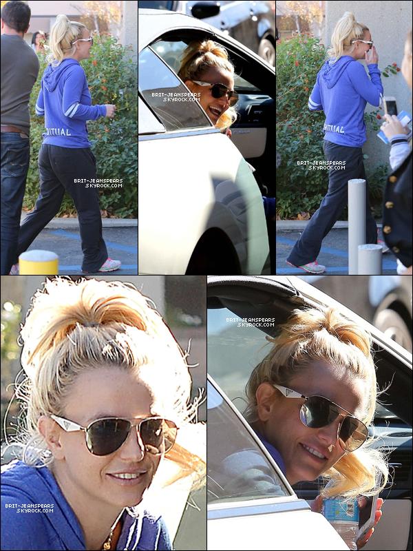 . Britney arrivait devant un studio de danse pour y donner un cours, le 12 décembre. .