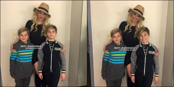 . Pour son retour à Vegas, Britney nous tweete trois magnifiques photos avec ses fils. ♥ .