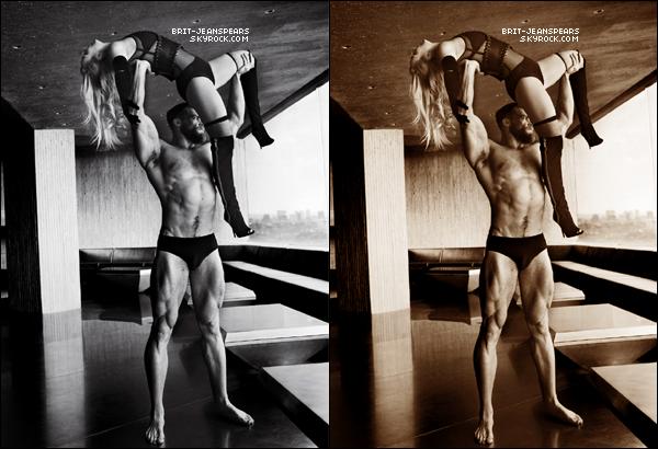 """. Découvre les sublimes photos du shoot réalisé par Mario Testino pour """"V Magazine"""". ."""