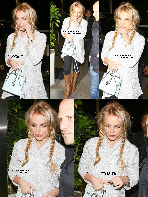 . Britney a été repérée arrivant à l'aéroport de LAX à Los Angeles, le 14 mars. .