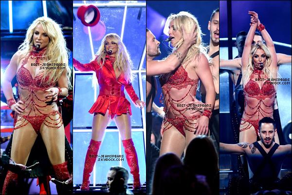 """. Brit' était présente à la cérémonie des """"Billboard Music Awards"""" à Las Vegas, le 22 mai. ."""