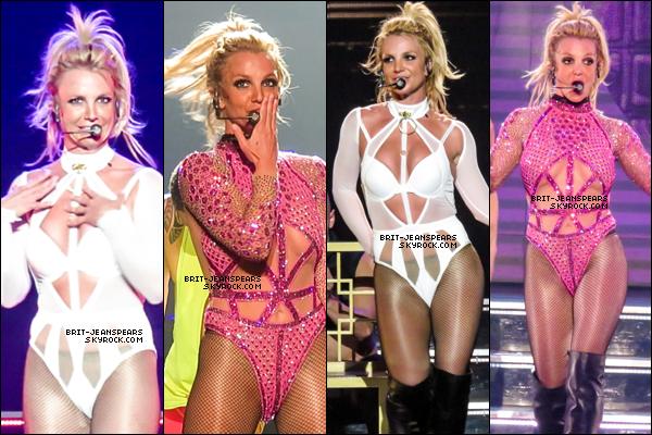 """. Britney présente officiellement """"Private Show"""", sa toute nouvelle fragrance. ."""