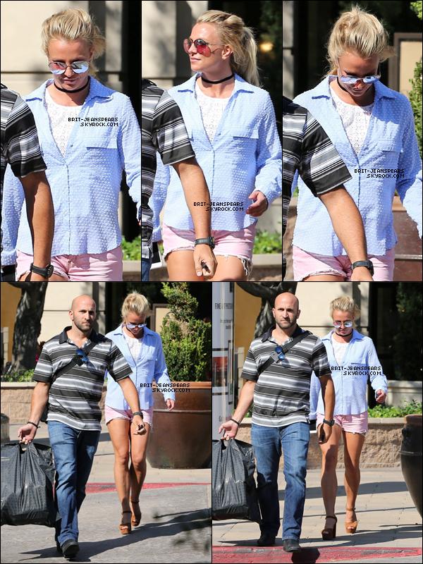 . Britney a été repérée alors qu'elle faisait du shopping à West Hills, le 31 juillet. .