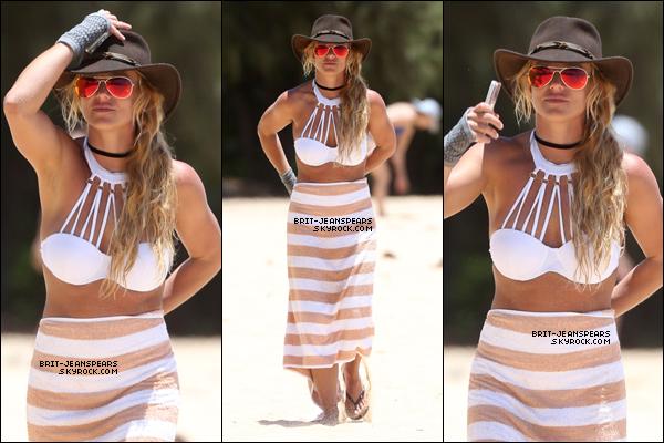 . Britney a été repérée alors qu'elle profitait de la plage de Hawaii, le 05 août. .