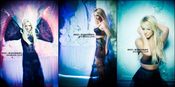 """. Découvrez le photoshoot intégral pour """"Flaunt Magazine"""" réalisé par Ioulex. ."""