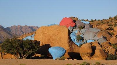 tafraout  maroc les rochers peint