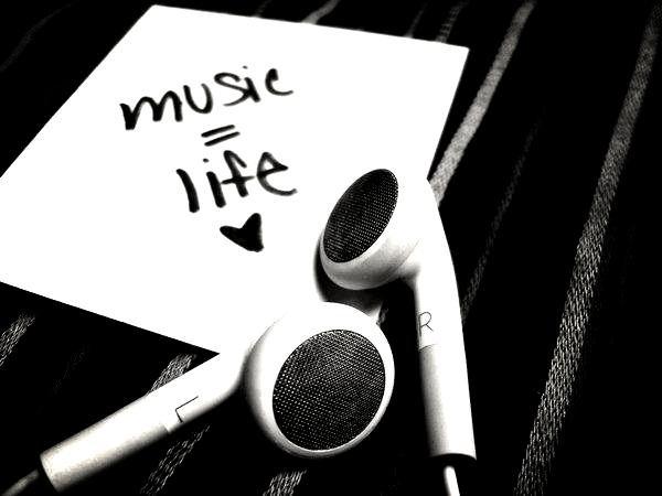 Merci.. Music d'être là quand personne ne l'est. ♥