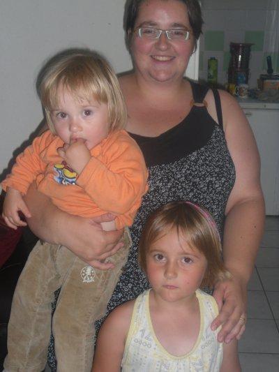 moi avec mes 2 filles