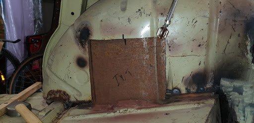 Préparation d'un gabarit pour la tôle de réparation