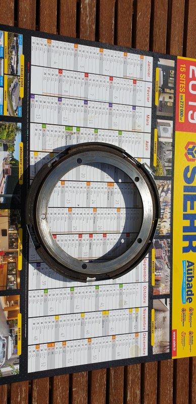 collage de la garniture d'embrayage centrifuge