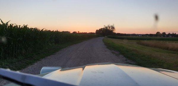 travaux d'été et coucher de soleil