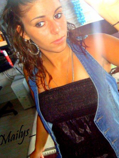 _  Maïlys a 16 ans et habite à Bordeaux [ .. ]