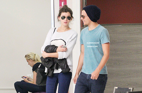 02/07/2012 Eleanor et Louis arrivant à l'aéroport de Nice (France).