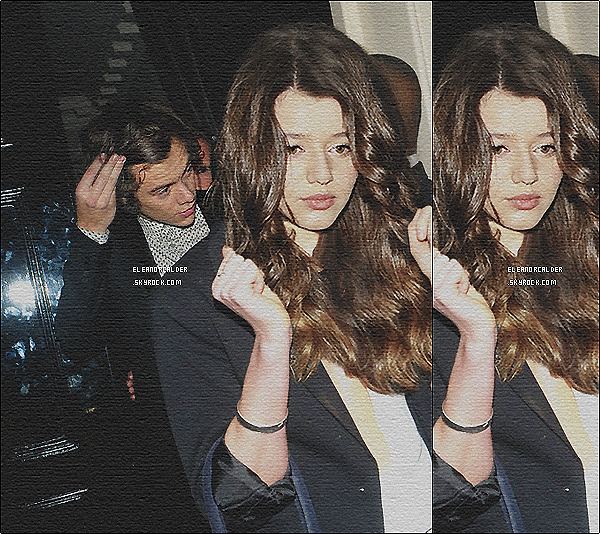 .16/03/2013 : Eleanor posant avec des fans au concert des One Direction - à Manchester.