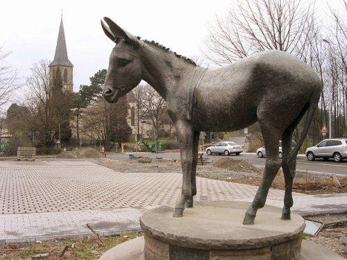 057 - Place des grands ânes