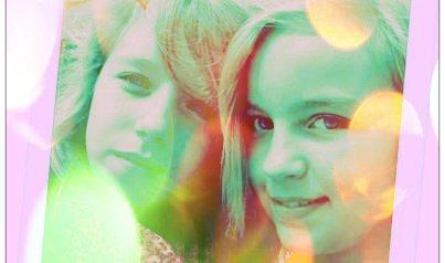 trop belle ma fille avec sa copinelydie