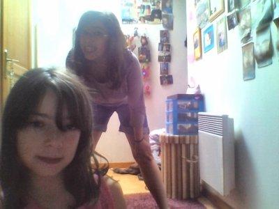 Miss Emma & Chloé arrivent sur le tapis rouge!