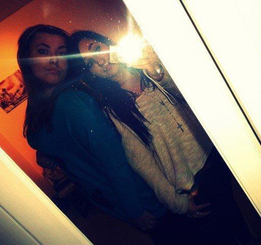 Une fille pas comme les autres, Mon amie, mon ange, ma soeur, mon rayon de soleil quoi !  (l)