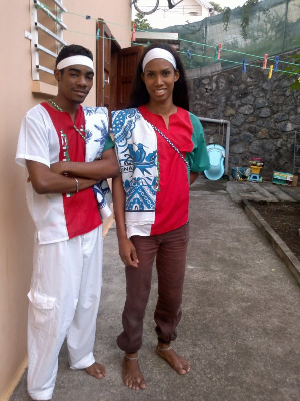 Moi & Ma Jumelle .... Fiere De Notre Natiion