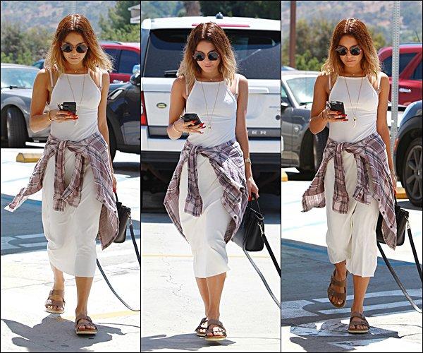 . 15.08.2014 - Vanney sur le chemin du déjeuner. .