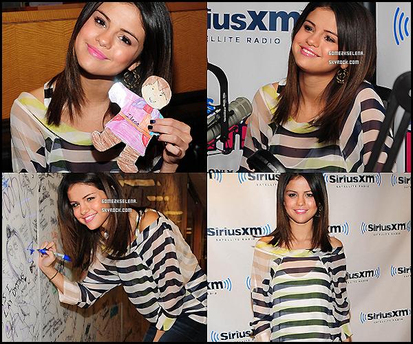 14/03/11 : Selena Gomez étais invité dans la radio « SiriusXM Radio » à New York.