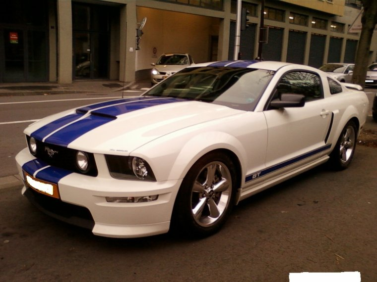 // FORD MUSTANG GT //