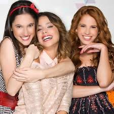 PHOTO DE LODOVICA, TINI ET CANDE
