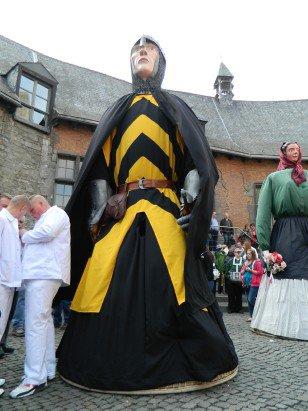 Un nouveau géant à Ath   Baudouin IV