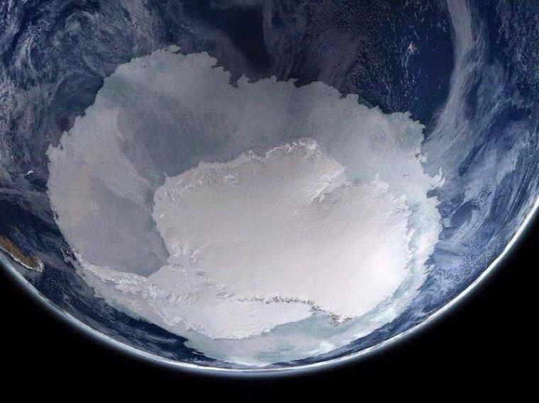 Inversion du champ magnétique de la Terre