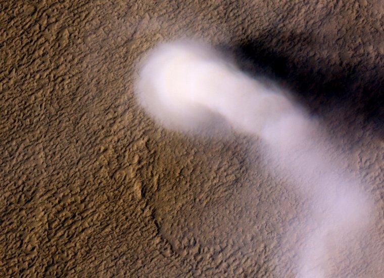 Tourbillon de poussières martiennes