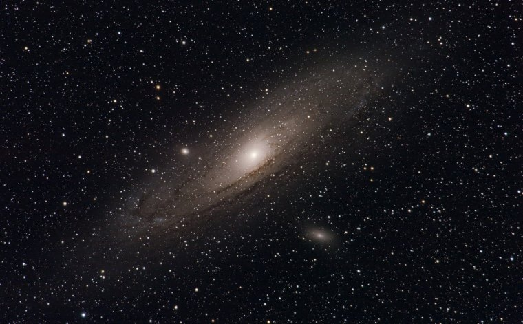 Andromède (Galaxie) = Grande nébuleuse d'Andromède = M31 = NGC 224