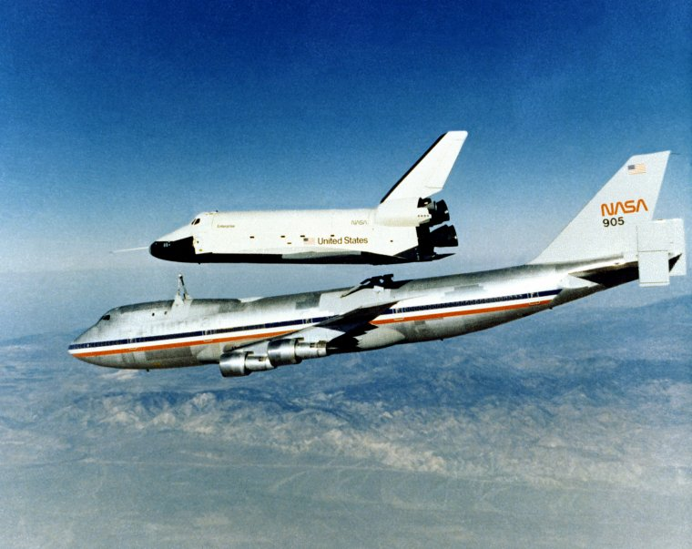Boeing 747 SCA = Shuttle Carrier Aircraft