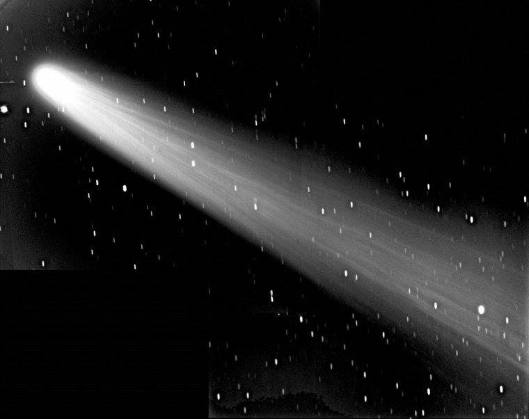 Comète de Halley = 1P/Halley