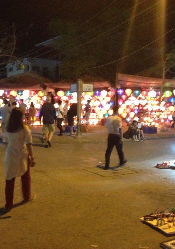 HOI HAN- la ville des lampions