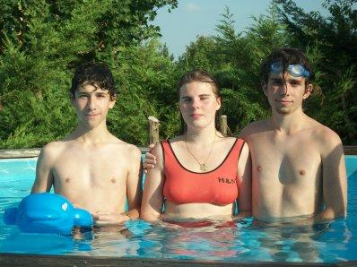 un bon après midi dans la piscine jeudi 25 Aout