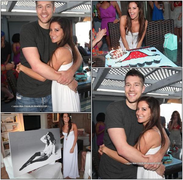 . O2/O7/11 : Découvrez de nouvelle photo Ashley pendant sa fête d'anniversaire avec son Scott   .