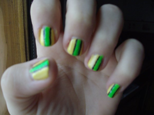 Nail Art Plein De Couleur ;)