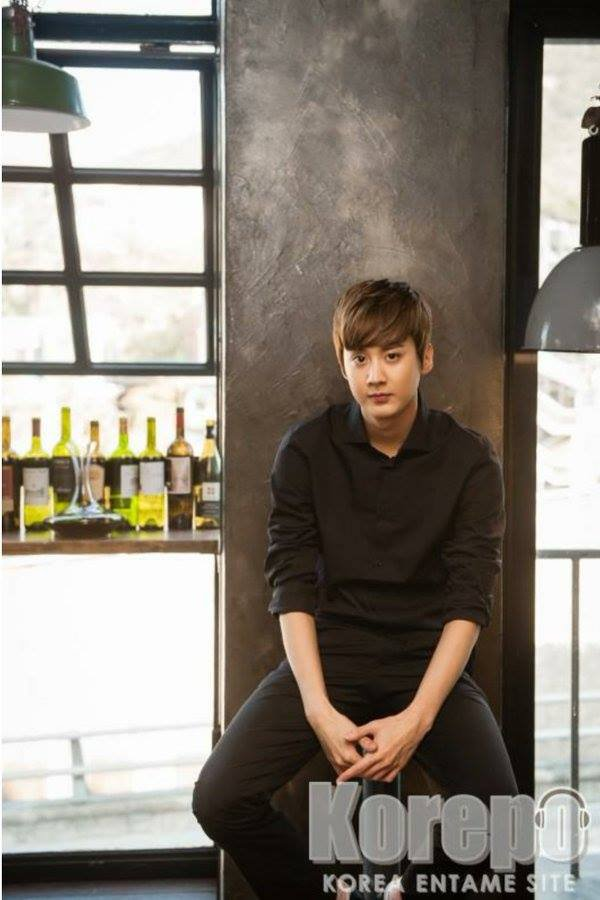 "151129 Chunji ""Cafe-In"" Interview #틴 PHOTOS"