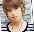 je ne sais pas si vous connaissez, il s'appelle TEGOSHI YUYA pour moi il est la plus belle voix du Japon, écoutez et donnez moi votre avis SVP merci