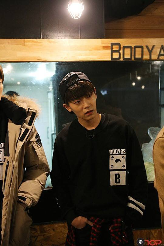 TEEN TOP's Experience as Part-Time Worker in Hongdae PHOTOS
