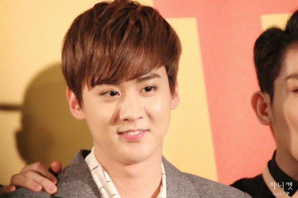 160308 SBS Star King TEEN TOP (틴탑) Ricky (리키) & CAP+160308 [V App] TEEN TOP (틴탑) Chunji (전지) sings song Please Don't Go+