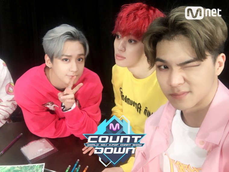 [TOP TEEN - Appelez-moi] Comeback étape | M COUNTDOWN 170406 EP.518+[TEEN TOP  - Love is] Comeback Stage | M COUNTDOWN  170406 EP.518+ 170407 Musicbank TEENTOP with PRISTIN Comeback Interview