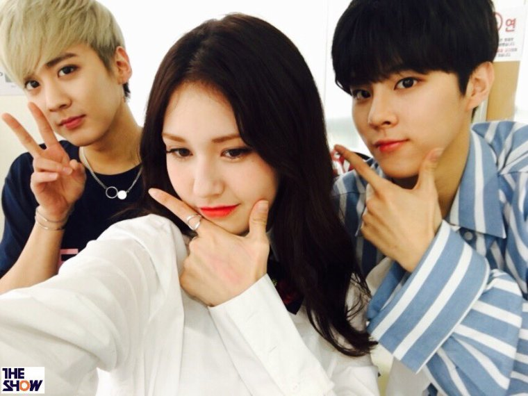 170418〕# 틴탑  # 재밌어 ? │ # Chunji junto a Somi y Wooshin @ +