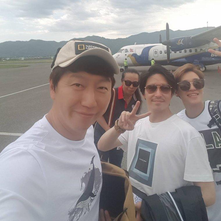PHOTOS 170510 Aéroport NIEL+170514 événement signature de fan Seocho PHOTOS