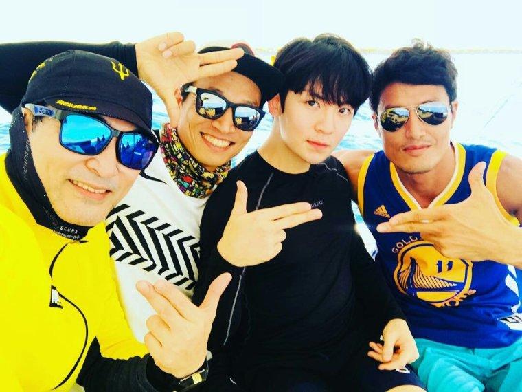 171129 @/korea_choemin with #Ricky  des Teentop